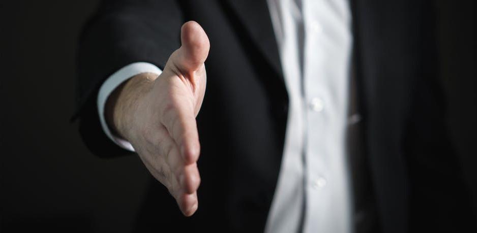 a-fist-bump-vs-a-handshake