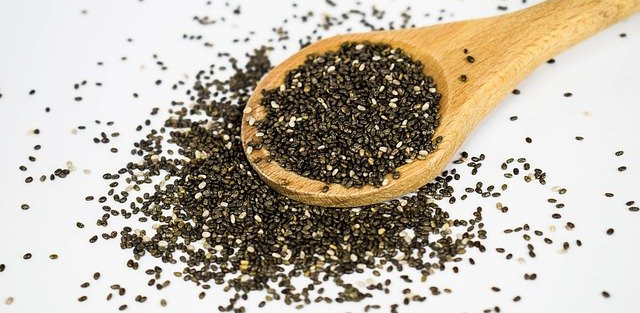 how-to-fit-chia-seeds-into-your-everyday-diet